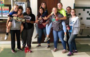 Op de Bangs High School gelooft men in de effectiviteit en de efficiëntie van lijfstraf op de billen, vooral als het om sport gaat. Voor deze studenten is dat een alledaagse realiteit.