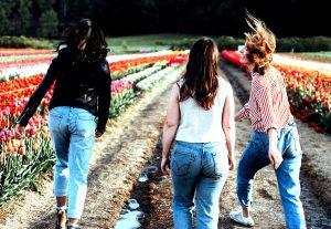 Niet alleen bij Amerikaanse meiden, maar ook bij Nederlandse meiden werkt billenkoek prima. Dat geldt helemaal als de billenkoek consequent en op de blote billen gegeven wordt, zoals bij Daphne het geval is.