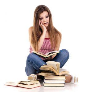 Veel studentes vinden de scriptie het moeilijkste onderdeel van de studie. Scriptiebegeleiding kan daarbij helpen.