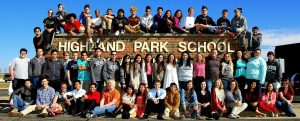 Bij de Highland Park High School veranderde in 2012/13 het systeem van opt-in naar opt-out. Iedere student kan sindsdien straf op de billen krijgen tenzij de ouders een formulier indienen.